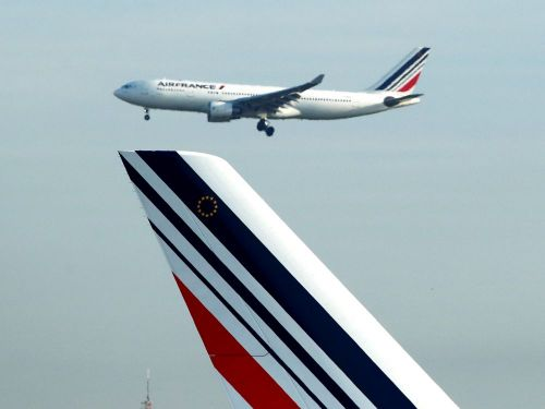 Air France signe un accord salarial avec ses syndicats