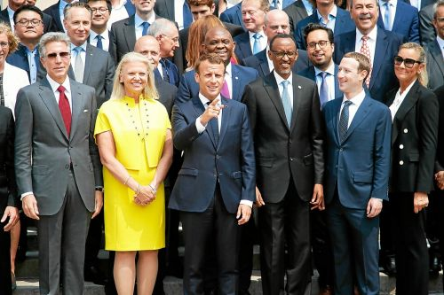 High tech. Macron demande des engagements