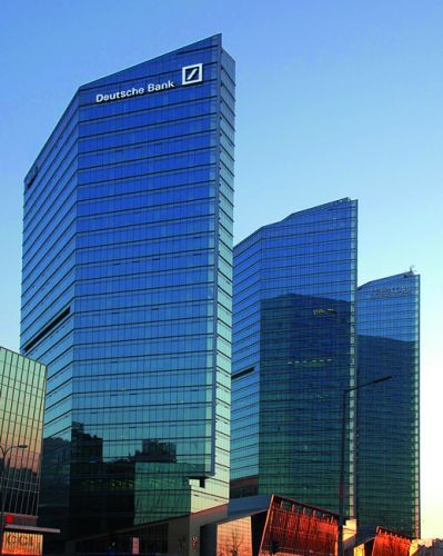 DEUTSCHE BANK AG NA O.N.:  Deutsche Bank monte à l'évocation d'une restructuration