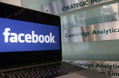 Cambridge Analytica:  Facebook risque une amende au Royaume-Uni