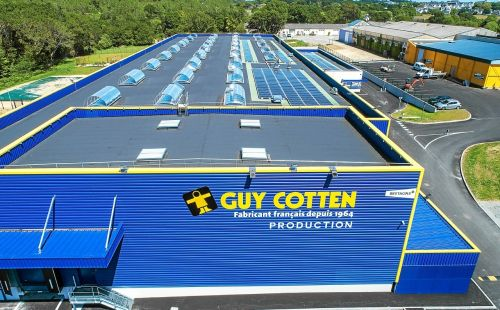 Guy-Cotten. Le petit bonhomme jaune voit plus grand
