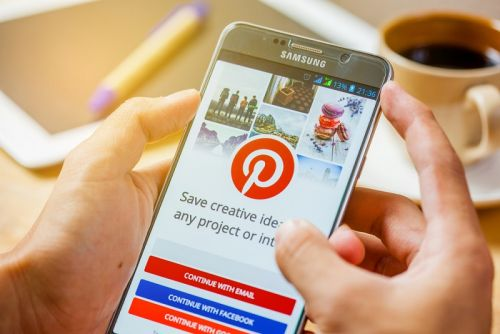 PINTEREST INC:  Pinterest gagne 25% pour son premier jour de cotation à Wall Street, Zoom, autre introduction en Bourse, flambe de 70%