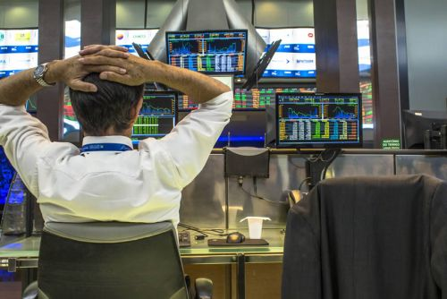 Paris:  Les tensions sur Riyad et le recul de Wall Street freinent les initiatives en Bourse