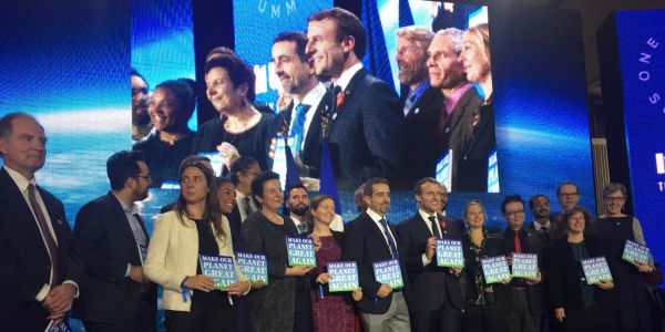 "Climat: Macron accueille les 18 lauréats de ""Make Our Planet Great Again"""