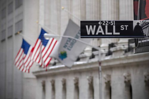 POINT Marchés-Wall Street finit sur une note positive, Comcast en vedette